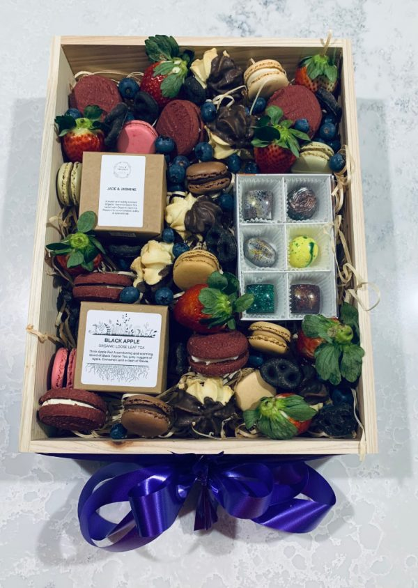 Deluxe Tea Time Treats Box